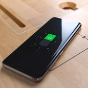 TS Light With Wireless Qi Charger